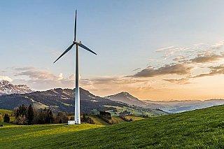 Obnovitelné zdroje byly loni v USA poprvé druhým největším zdrojem elektřiny, letos je má předskočit uhlí
