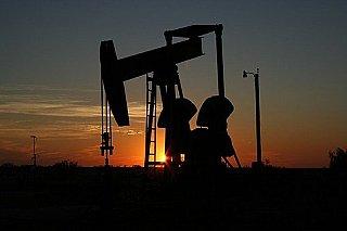 Ceny ropy po čtvrtečním poklesu rostou díky naději na růst poptávky